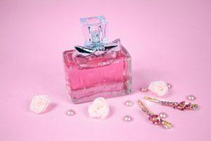 ピンク色のボトル
